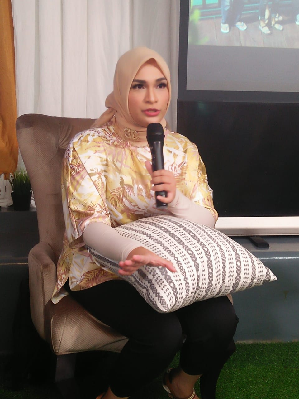 Woman Talk dengan How To Start Your Busniness with Futri Zulya
